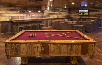 Honeymoon Point Cabin and Cottage Pool Room